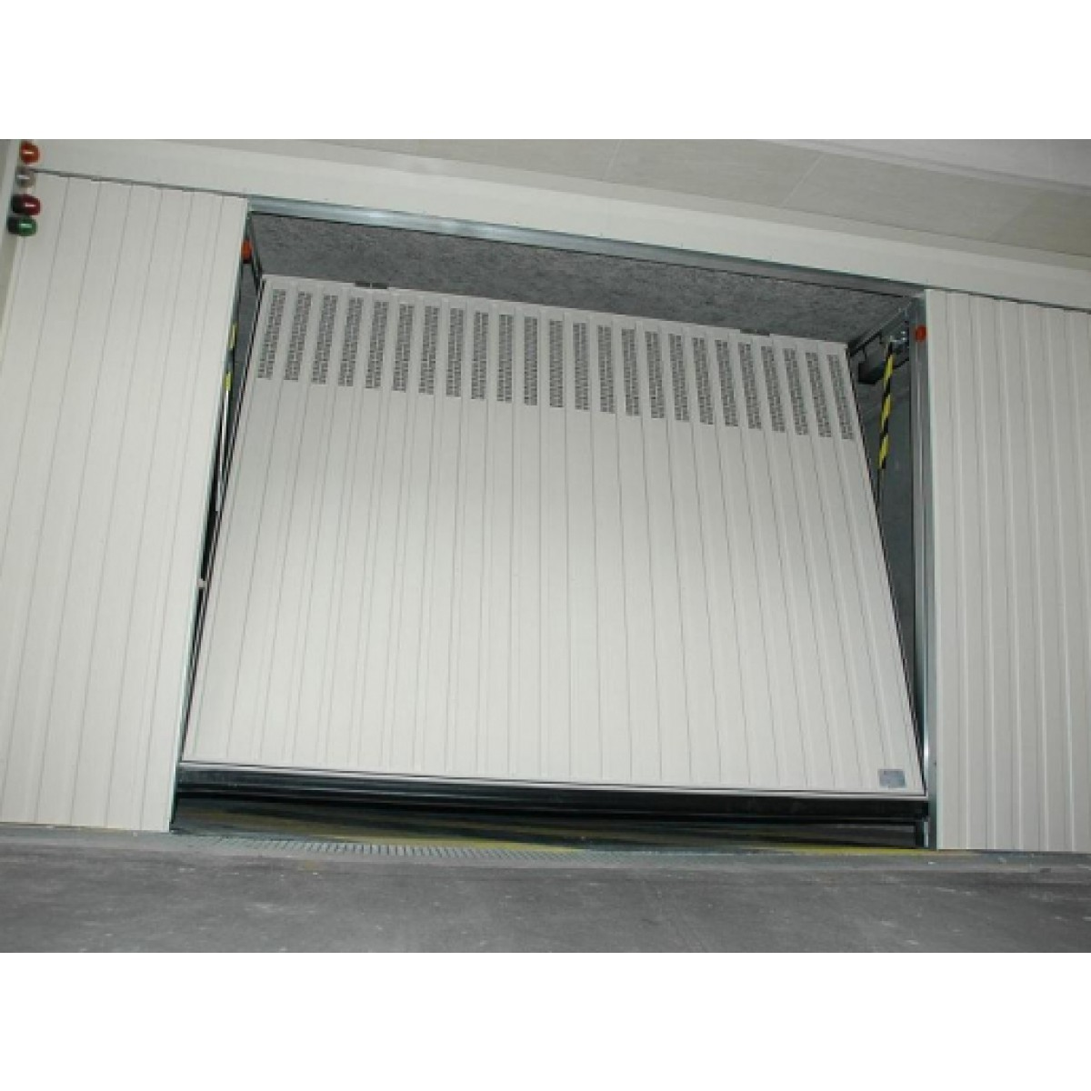 Portes de garage basculantes s400 a ro pluo portes de for Porte de garage collectif