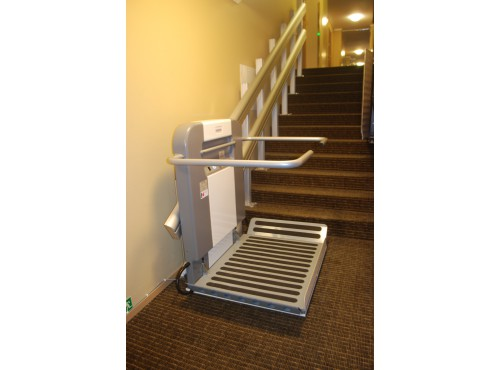 Plateforme monte-escalier pour PMR Alma