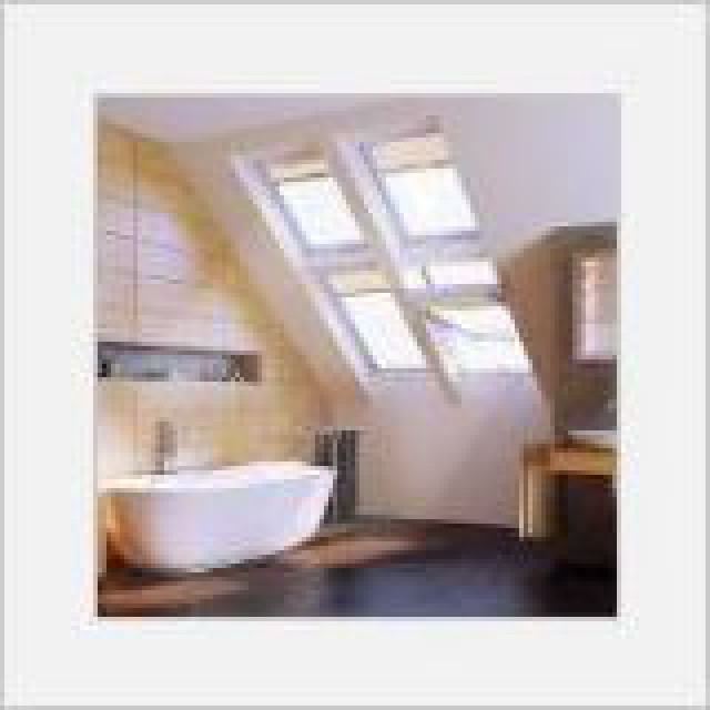 fen tre de toit en pvc ptp u3 fakro stores et fen tres. Black Bedroom Furniture Sets. Home Design Ideas