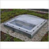 Fenêtre-coupole pour toit plat Velux