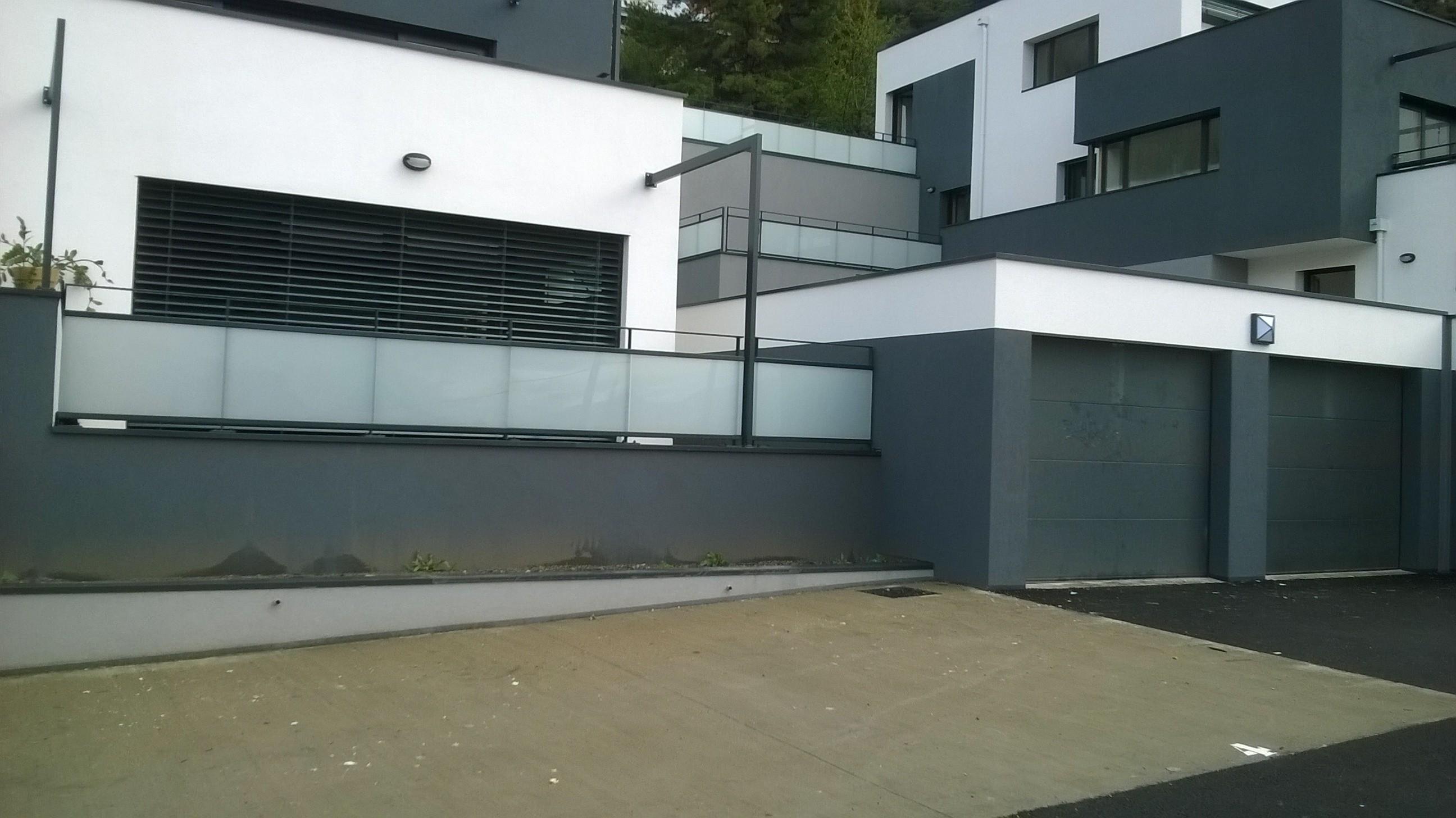 Portes sectionnelles résidentielles SAFIR Séréna, Rumba et Harmonia