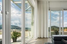 En 2021, vive les fenêtres intelligentes, décoratives et contemporaines !