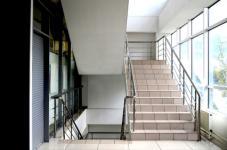 Garde-corps en aluminium : normes, installation et entretien