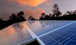 Installer des panneaux solaires en copropriété : lois et conseils