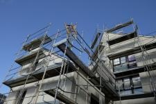 Le prix pour rénover un immeuble par travaux et global