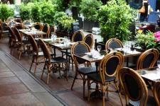 Restaurant en immeuble : règles, avantages et inconvénients