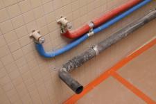 Plomb dans les tuyaux d'arrivée d'eau : danger et lois