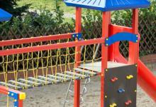 Aires de jeux pour enfants et bacs à sable en immeuble : fonctionnements, entretien et règles