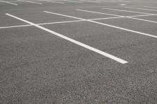 Marquage au sol d'un parking : peinture, revêtement et prix