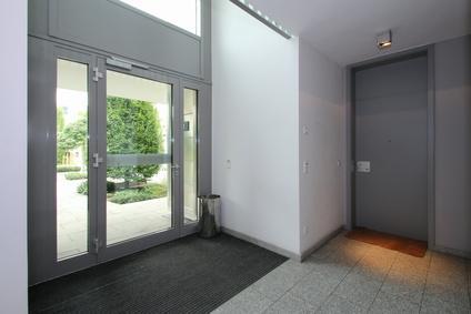 Refaire le sol d\'une entrée d\'immeuble