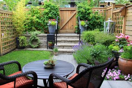 Jardins privatifs en copropriété : règles, entretien, usage ...
